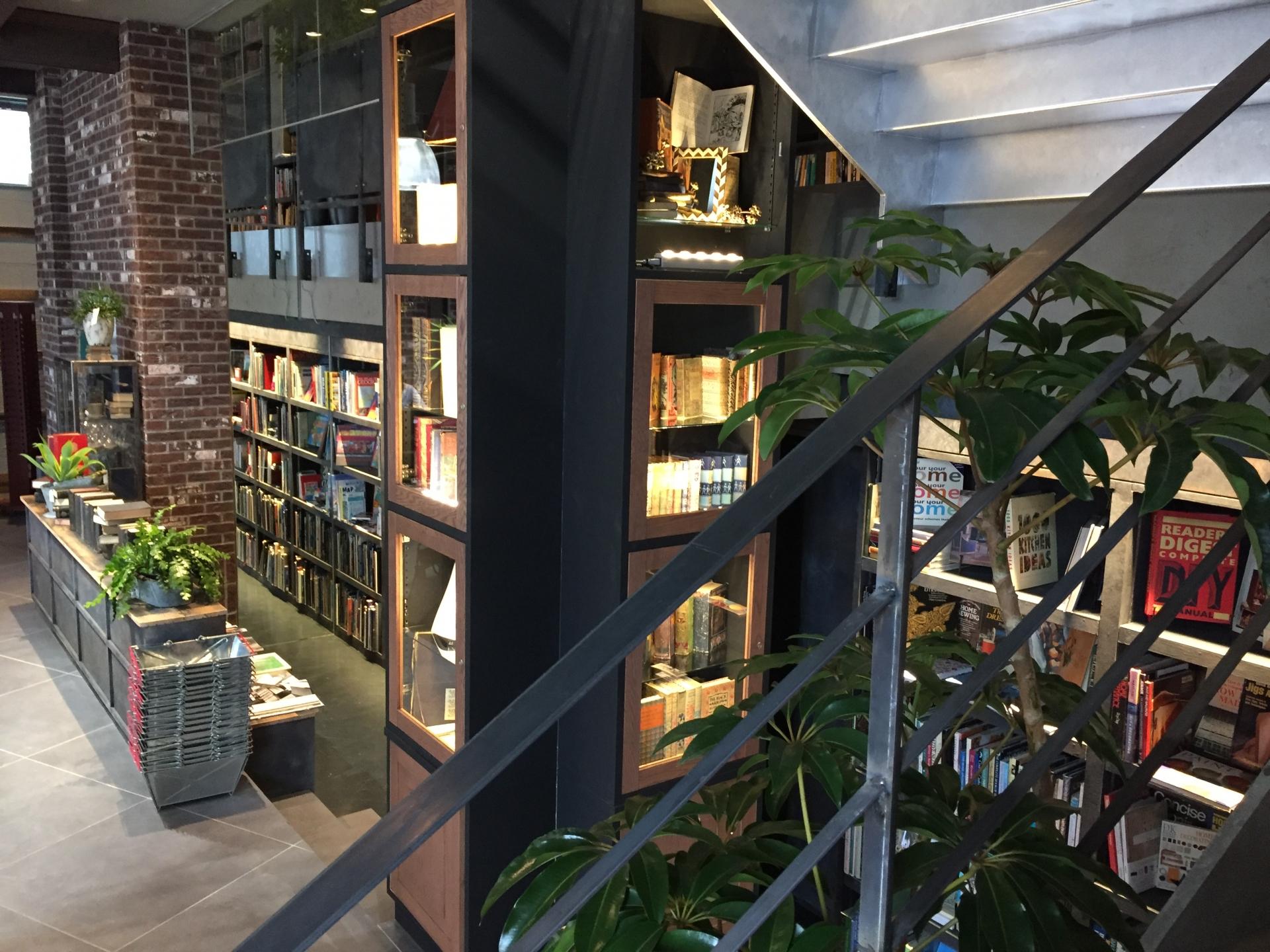 都会の書店